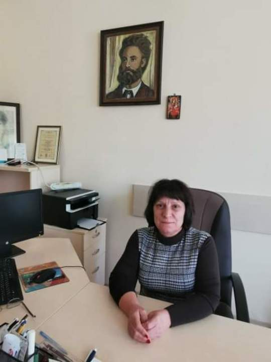 Марионела Николова - Директор